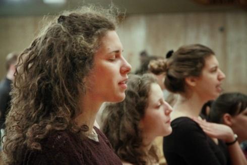 keresek evangéliumi keresztyén nő